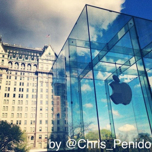 apple-store-entrance-fifth-5th-ave-avenue-christopher-penido-preview