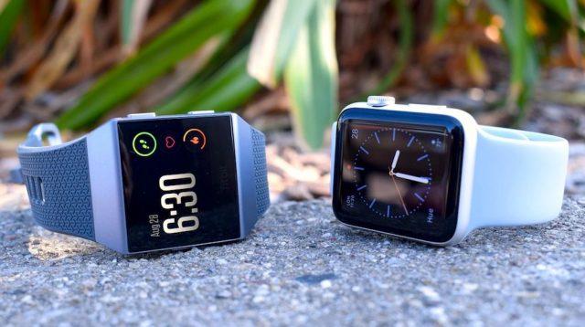 เทียบ Fitbit Ionic กับ Apple Watch